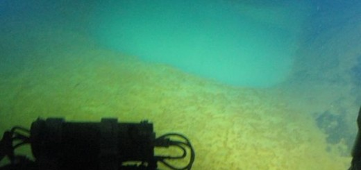 Σαντορίνη , υποθαλάσσιες λίμνες ανθρακούχου νερού